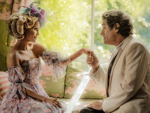 Easter (Kristin Chenoweth) is charmed by Mr. Wednesday (Ian McShane).