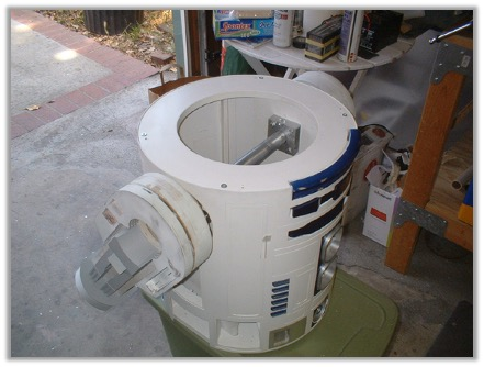 R2 legs attached